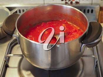 tomato sauce ketchup used as pasta condiment