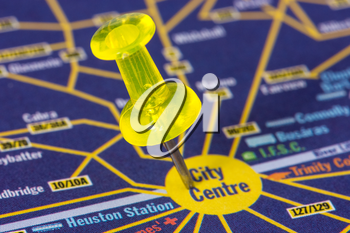 Yellow pushpin on the map showing city center location