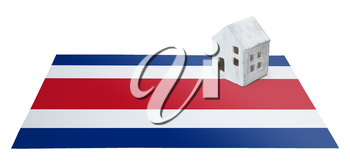 Small house on a flag - Living or migrating to Costa Rica