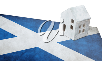 Small house on a flag - Living or migrating to Scotland