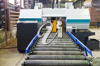 two-column band saw cutting machine for vertical cuts in mechanical workshop