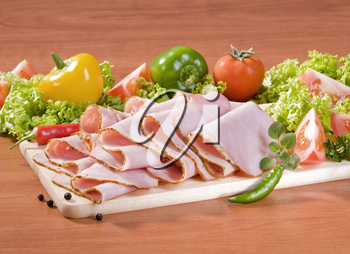 Thin sliced ham and fresh vegetables