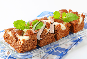 Soft gingerbread cake with cream cheese